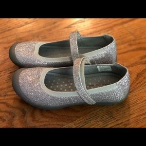 Brand New Hanna Anderson sz 1 silver Velcro shoe